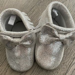 Baby moccs leather - size 3